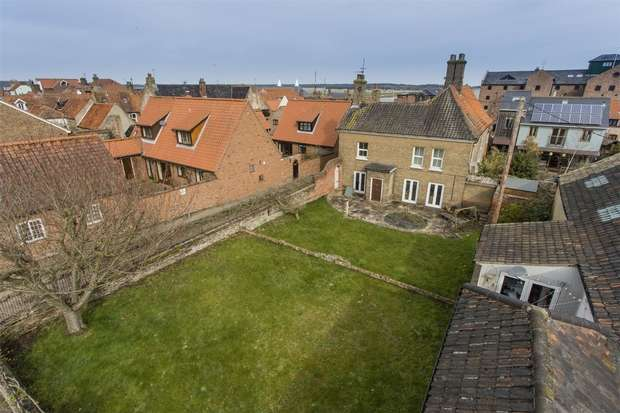 5 Bedrooms Detached House for sale in Croft House, Wells-next-the-Sea