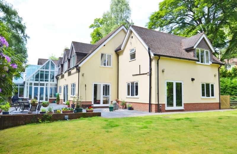 4 Bedrooms Detached House for sale in Avon Castle