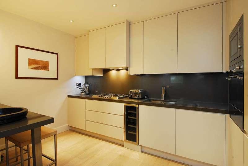 3 Bedrooms Maisonette Flat for sale in Cornwall Gardens, South Kensington, SW7