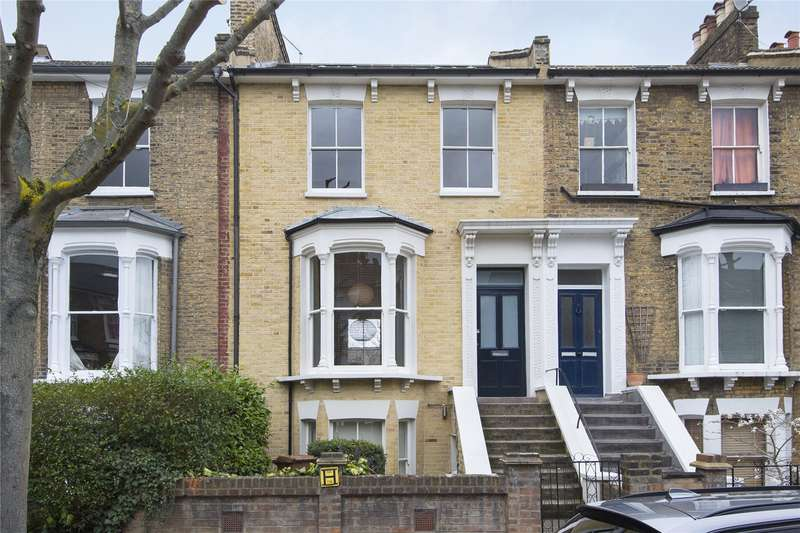 3 Bedrooms Flat for sale in Montague Road, London, E8