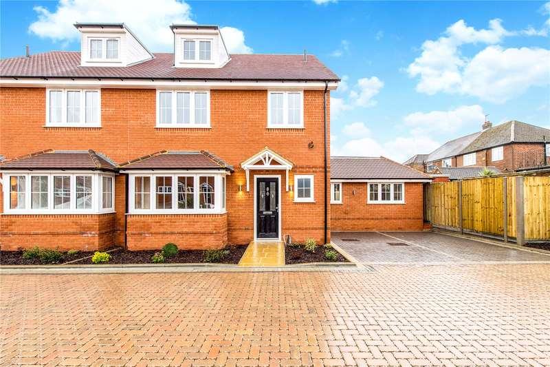 5 Bedrooms Semi Detached House for sale in Cressex Road, High Wycombe, HP12
