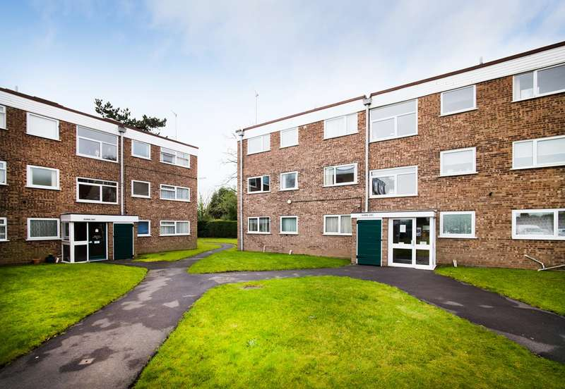 2 Bedrooms Apartment Flat for sale in Balmoral Court, Kidderminster, DY10