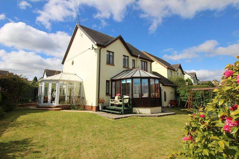 5 Bedrooms Detached House for sale in Wood Lane, Neyland, Milford Haven, Pembrokeshire. SA73 1RB