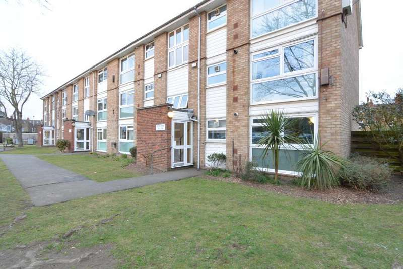 2 Bedrooms Flat for sale in Hope Park, Bromley, London, BR1 3RQ