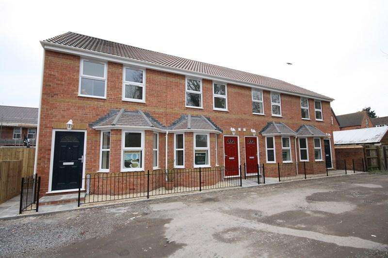2 Bedrooms Terraced House for rent in Players Lane, Burnham-On-Sea