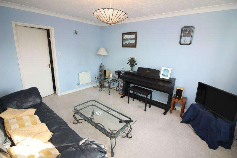 3 Bedrooms Terraced House for sale in Heron Gardens, Portishead