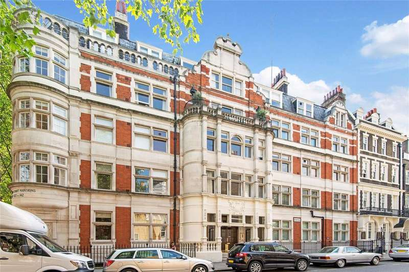 3 Bedrooms Flat for sale in Adeline Place, WC1B