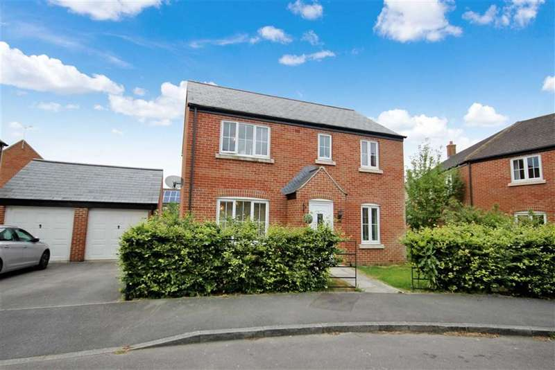 4 Bedrooms Detached House for sale in Cassini Drive, Oakhurst, Swindon