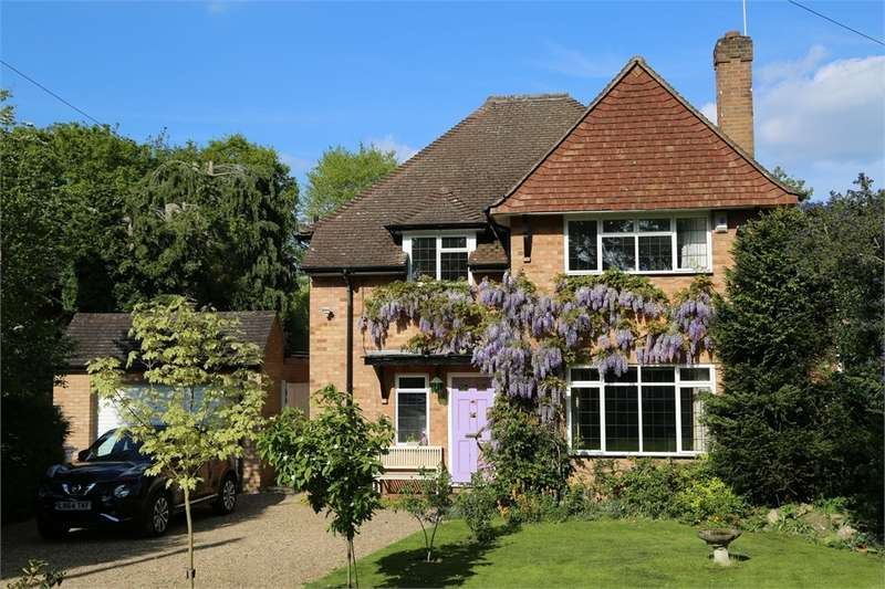 5 Bedrooms Detached House for sale in Hill Rise, Chalfont St Peter, Buckinghamshire