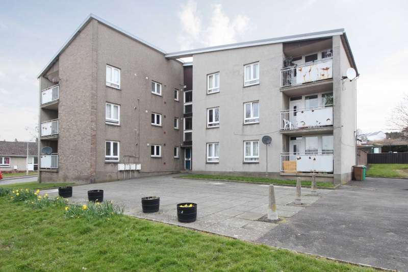 2 Bedrooms Flat for sale in Forth View, Kincardine, Fife, FK10 4PE