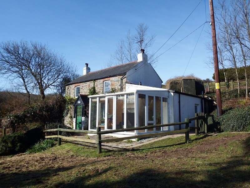 2 Bedrooms Detached House for sale in Perrancoombe, Perranporth
