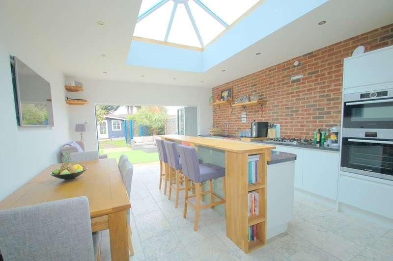 4 Bedrooms Semi Detached House for sale in Albemarle Avenue, Gosport
