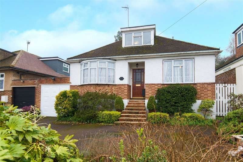 4 Bedrooms Detached Bungalow for sale in Sutherland Avenue, Cuffley, Hertfordshire