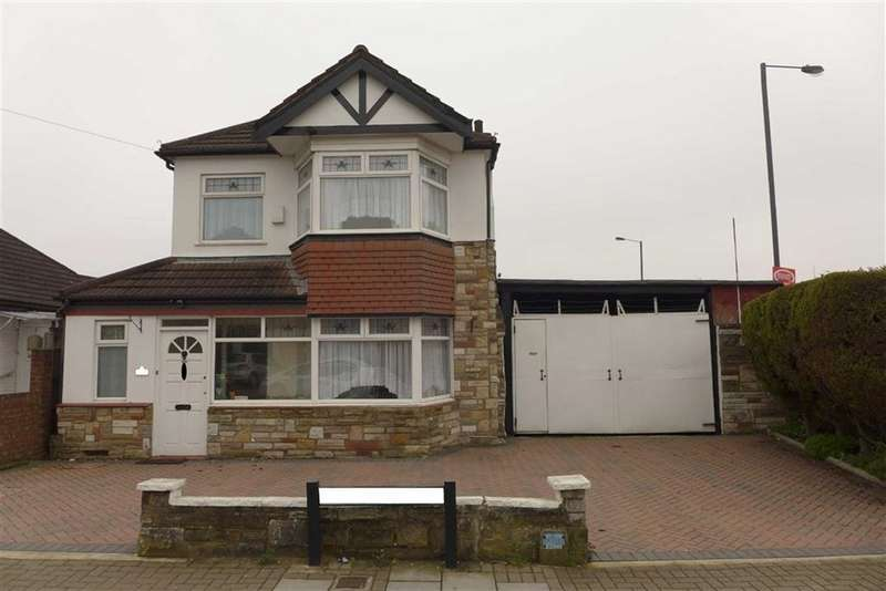 3 Bedrooms Detached House for sale in Dale Avenue, Edgware, Middlesex