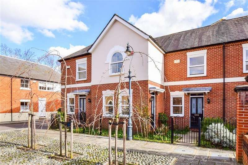 2 Bedrooms Terraced House for sale in Orient Place, Canterbury, Kent