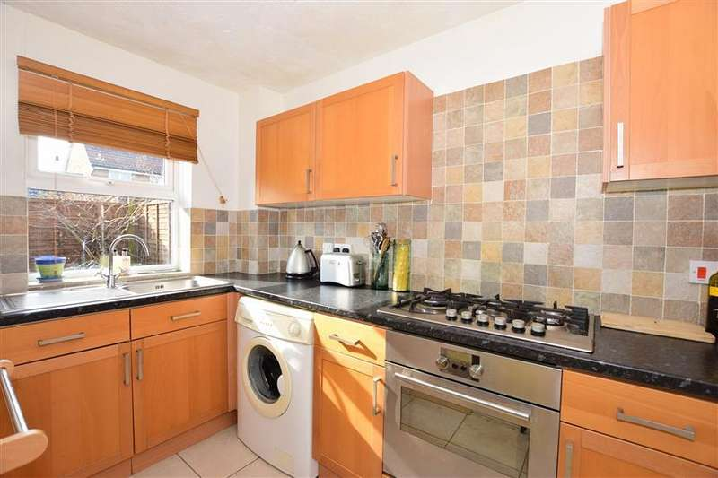 1 Bedroom End Of Terrace House for sale in Linnet Close, Petersfield, Hampshire