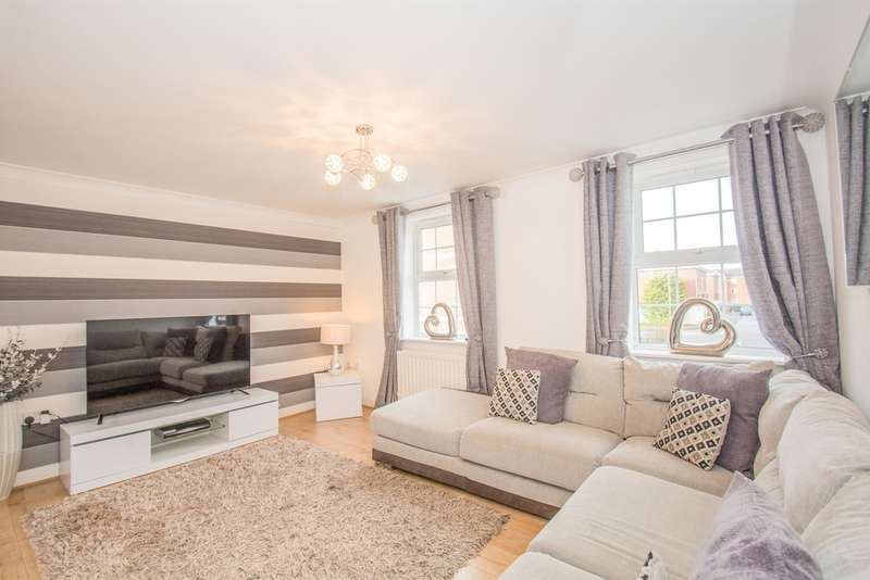 4 Bedrooms Semi Detached House for sale in Beaufort Square, Cardiff