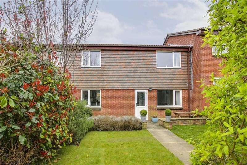 3 Bedrooms Terraced House for sale in Pitt Drive, Seaford
