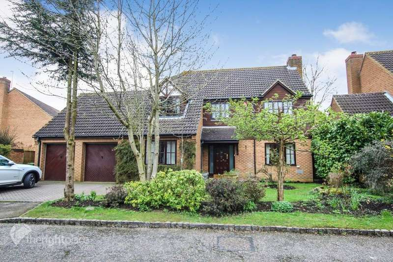 4 Bedrooms Detached House for rent in Little Meadow, Loughton, Milton Keynes