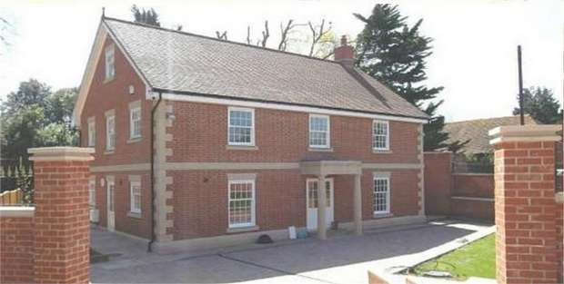 5 Bedrooms Detached House for sale in Mill Lane, Bedhampton, Havant, Hampshire