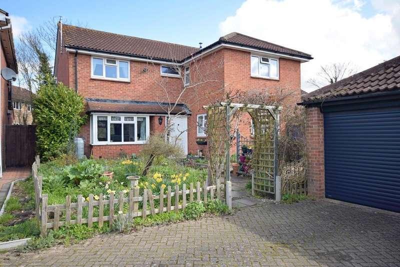 4 Bedrooms Detached House for sale in Mathams Drive, Thorley Park, Bishops Stortford, Herts, CM23 4EN