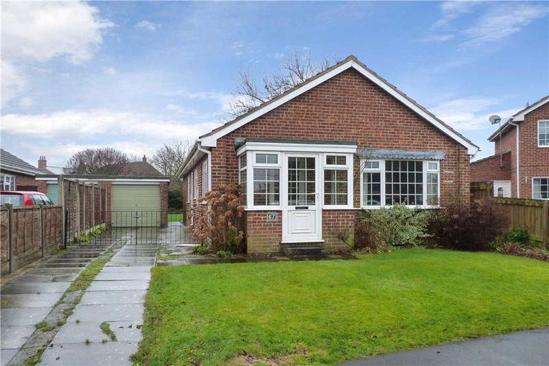 3 Bedrooms Detached Bungalow for sale in Prince Rupert Drive, Tockwith, York