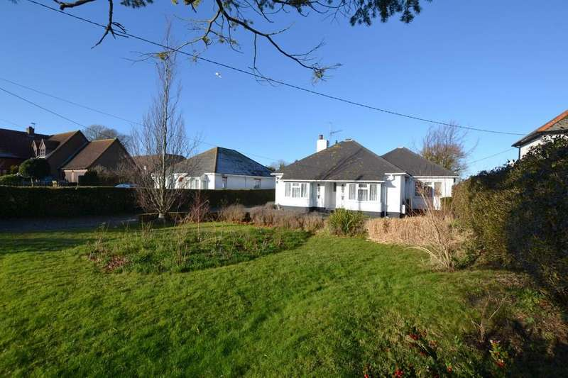 3 Bedrooms Detached Bungalow for sale in Hythe Road, Dymchurch, Kent