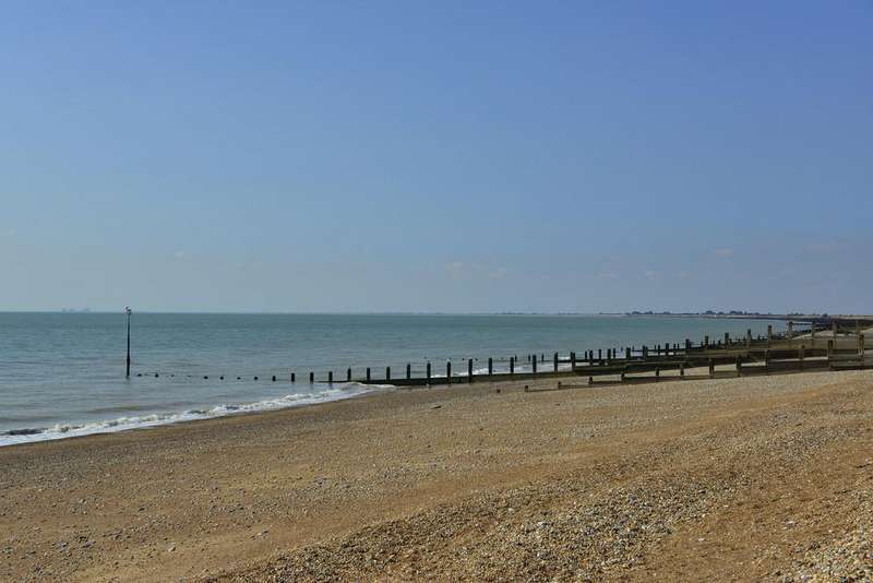 3 Bedrooms Apartment Flat for sale in Fishermans Beach, Range Road, Hythe, Kent