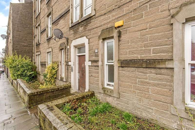 3 Bedrooms Flat for sale in 23E Step Row, Dundee, Angus, DD2