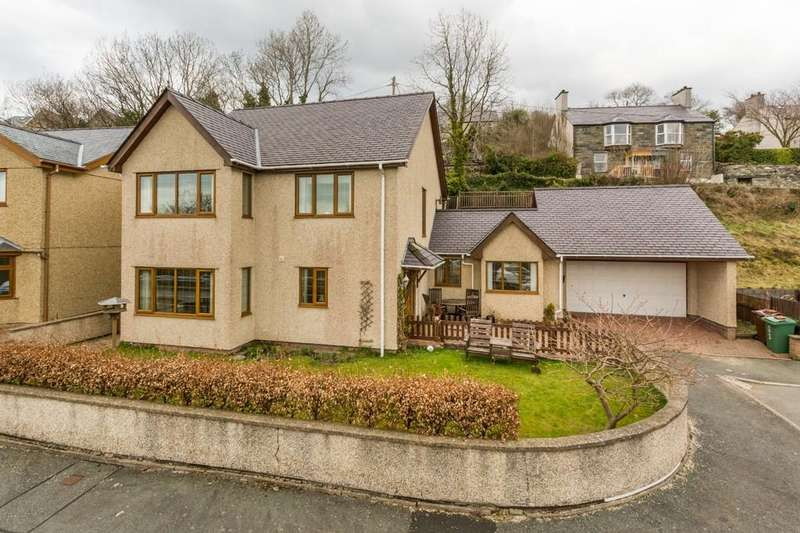 4 Bedrooms Detached House for sale in Bryn Caseg, Bethesda, North Wales
