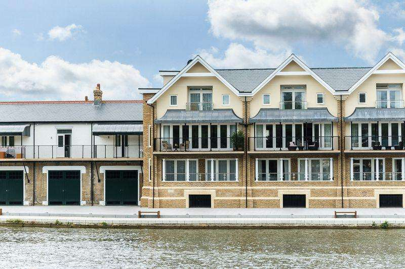4 Bedrooms Terraced House for sale in Eton Thameside, Brocas Street, Eton