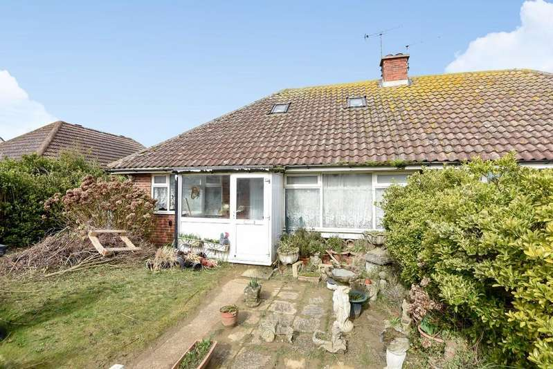 4 Bedrooms Chalet House for sale in Sea Road, Camber, East Sussex TN31 7RR