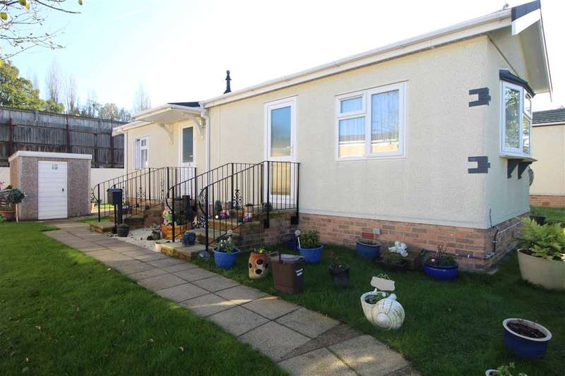 2 Bedrooms Park Home Mobile Home for sale in Elstree Park, Borehamwood