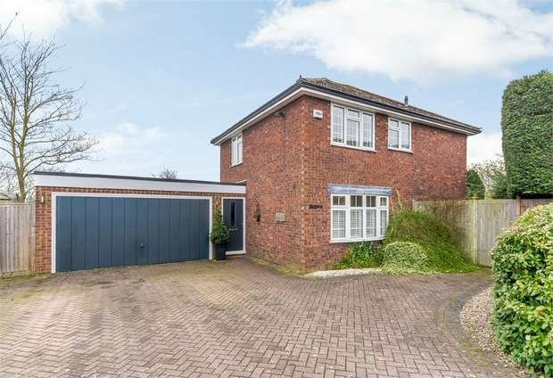 4 Bedrooms Detached House for sale in Maidenhead Road, Cookham, Maidenhead, Berkshire