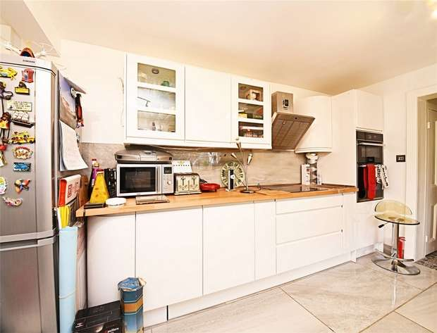 5 Bedrooms End Of Terrace House for sale in Ingram Road, East Finchley, N2