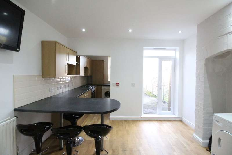 4 Bedrooms Terraced House for rent in Hunter House Road, Sheffield, S11