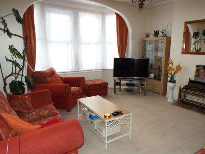5 Bedrooms Detached House for sale in Clacton On Sea, Essex