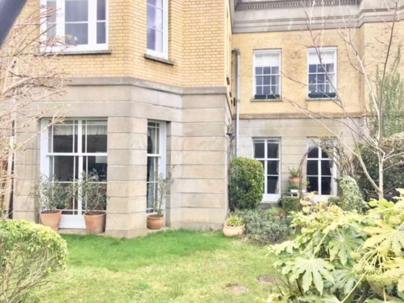 2 Bedrooms Apartment Flat for sale in Southover High Street, Lewes