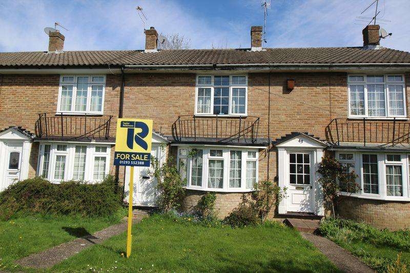 2 Bedrooms Terraced House for sale in Lyndhurst Close, Crawley