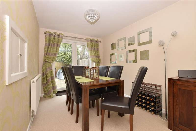 3 Bedrooms Detached House for sale in Farriers Way, Waterlooville, Hampshire