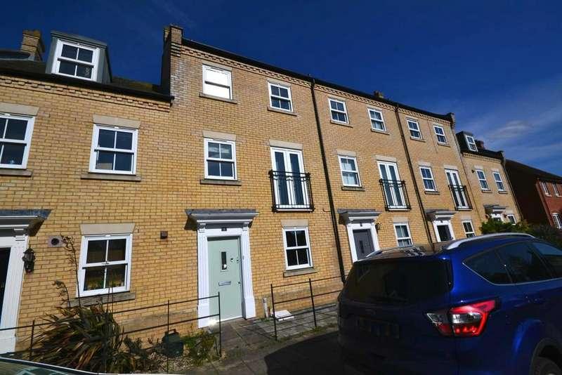 3 Bedrooms Terraced House for rent in Constable Way, Black Notley, Braintree, CM77