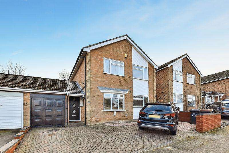 4 Bedrooms Detached House for sale in West Hill, South West Dunstable