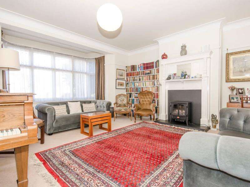 4 Bedrooms Terraced House for sale in Cranley Gardens, N10