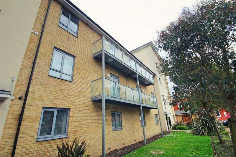 2 Bedrooms Flat for sale in Wicks Place, CHELMSFORD, Essex