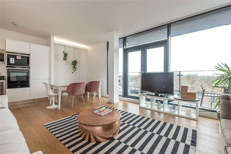 2 Bedrooms Penthouse Flat for rent in Anlaby House, 37 Boundary Street, Shoreditch, E2
