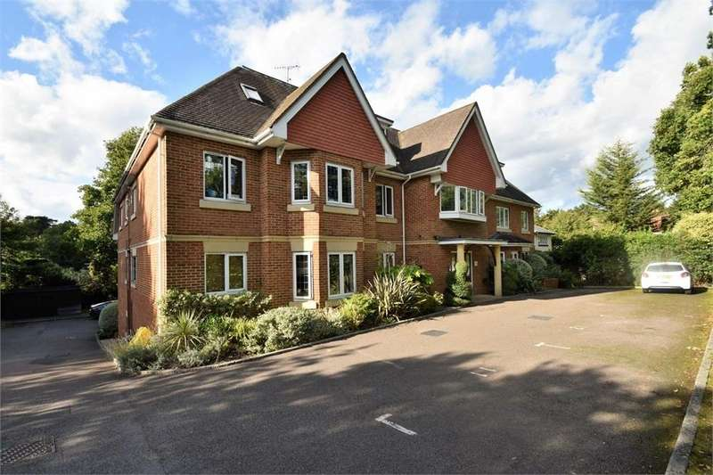 2 Bedrooms Flat for sale in 72 Portsmouth Road, CAMBERLEY, Surrey