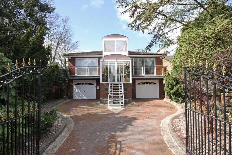 2 Bedrooms Detached House for sale in Lulworth Road, Birkdale, Southport, PR8 2BQ