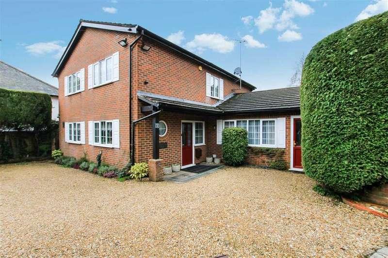 5 Bedrooms Detached House for sale in Woodland View, 7 Jubilee Lane, Grayshott
