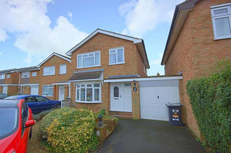 4 Bedrooms Detached House for sale in Flexmore Way, Langford
