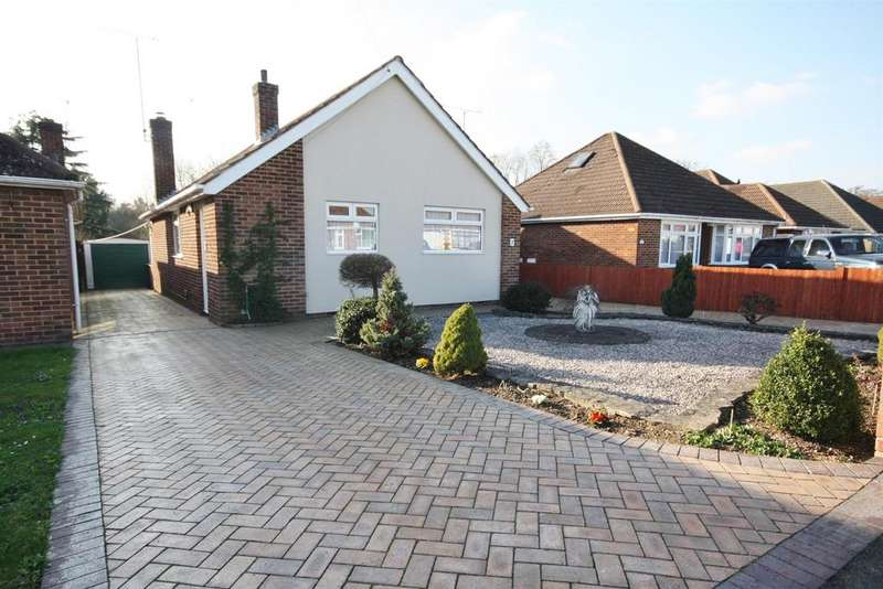 3 Bedrooms Detached Bungalow for sale in Monksbrook Close, Eastleigh